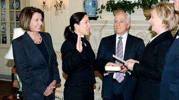 Eleni Tsakopoulos – Kounalakis is sworn in as US Ambassador to Hungary by Secretary of State Hillary Clinton. Her father, Angelo Tsakopulos, is standing in between her and Hillary Clinton. COURTESY GREEK REPORTER