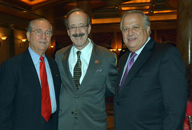 Supreme President of AHEPA, Mr. Anthony D. Kouzounis, Congressman Eliot Engel and President of PSEKA, Mr. Philip Christopher, PHOTOS: ETA PRESS