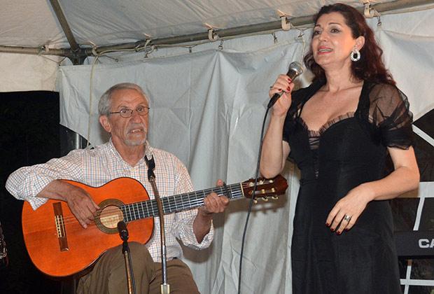 Primadona Jadrank Jovanovic with troubadour Seraphim Lazos