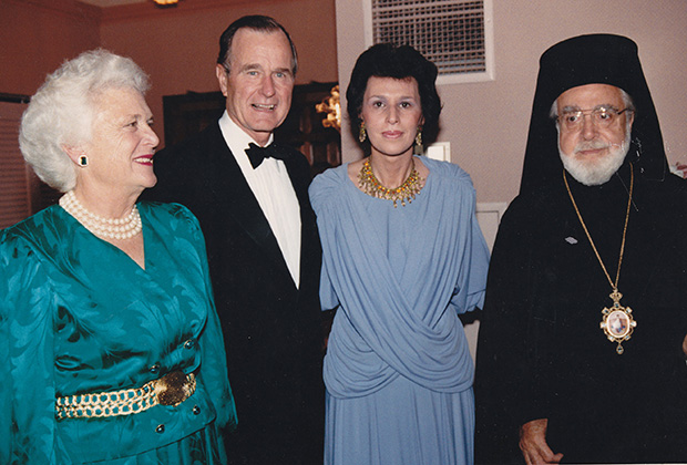 (L to R) Barbara Bush, President George W. Bush, Paulette and Archbishop Iakovos
