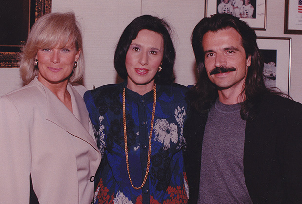 With Linda Evans and Yanni