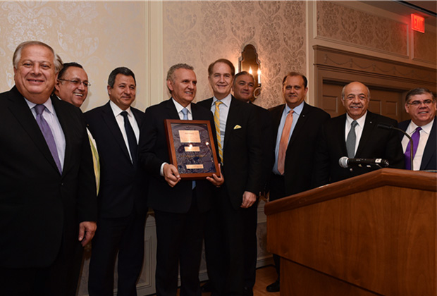 Presidential Commissioner for Overseas Cypriots Photis Photiou received the Barbed Wire Award at the Conference Banquet