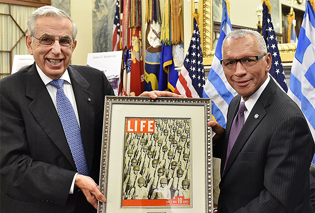 Bill Hunter and NASA Administrator Charles Bolden, who accepted the 2015 Greatest Generation Award on behalf of Senator John Glenn, PHOTO BY: BILL PETROS