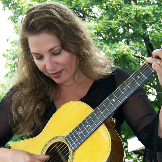 Greek-American Soprano Julie Ziavras