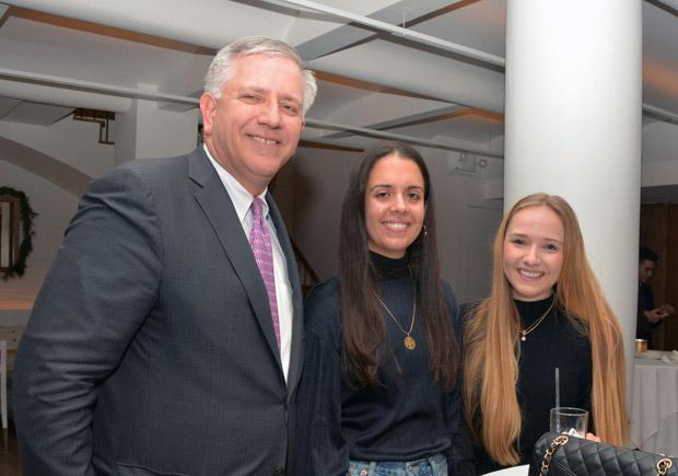 Argyris Vassiliou, Dana Moutis, Katerina Allwin; PHOTO: ETA PRESS