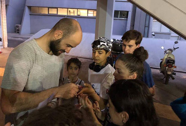 Kids meeting Vassilis Spanoulis