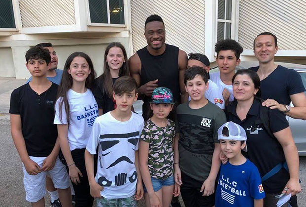 Students with Thanasis Antetokounmpo