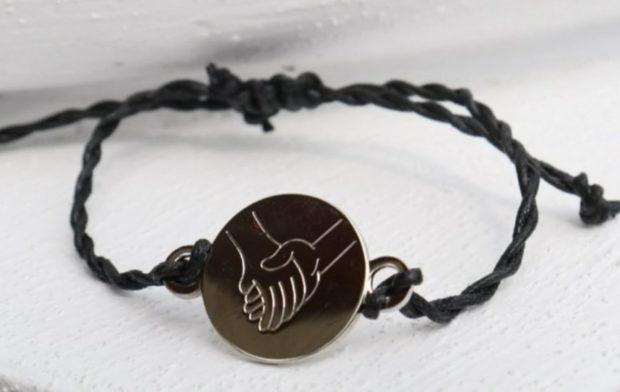 The L.E.R.A. bracelet